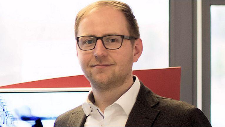 """Für den Geschäftsführer und Gründer von Fly-tech,Tobias Wirth, ist """"Ganzheitliches Denken"""" bei der Digitalisierung erforderlich."""