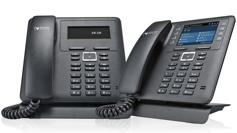 Die beiden neuen IP-Telefone IP620 (links) und IP630 (rechts) von Bintec Elmeg