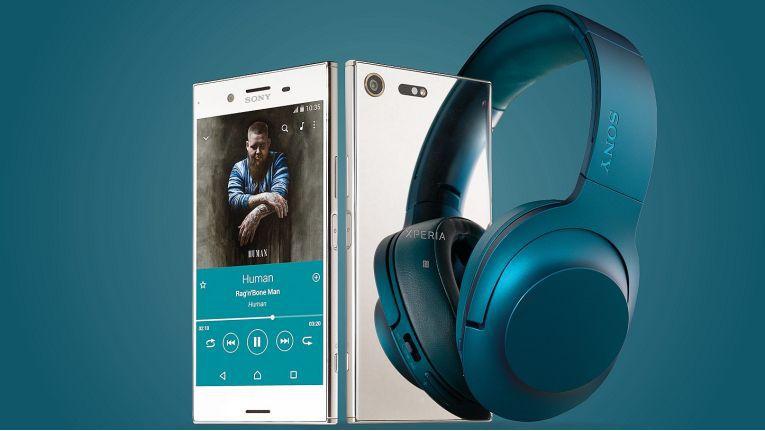 Sony implementiert Brodos als Partner für den Vorverkauf zur Xperia XZ Premium-Aktion auf seiner Webseite. Wer im Rahmen der Aktion vorbestellt und kauft, erhält nachträglich einen MDR-100ABN-Kopfhörer.