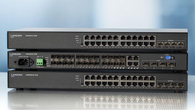 Drei neue Gigabit-Switches von Lancom: Oben der GS-2328P, in der Mitte der GS-2328F und unten der GS-2328.