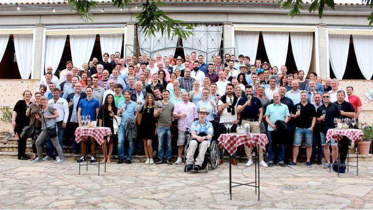 Gruppenbild: Die Teilnehmer am PC-Spezialist Geschäftsführertreffen auf Mallorca