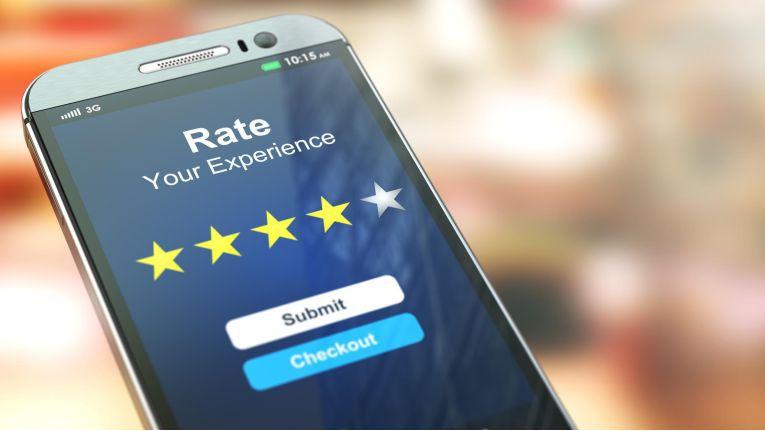 Bewertungen sind in der Online-Welt für Händler ein wichtiges Werbemittel. Sie zusammen mit einer Rechnung einzufordern, ist laut BGH allerdings rechtswidrig.