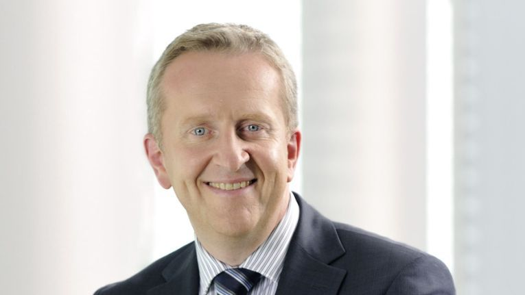 """""""Wir sind stolz darauf, unseren Kunden diesen einzigartigen Service weltweit anbieten zu können."""" Rupert Lehner, Head of Enterprise Platform Services bei Fujitsu EMEIA"""