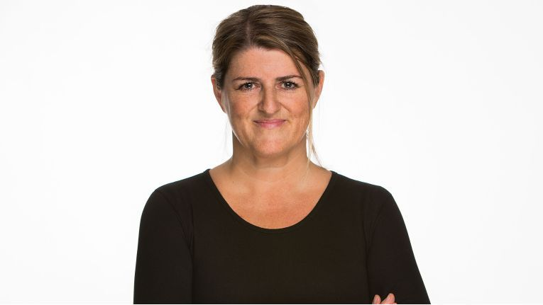 """Jutta Peinze, Head of Marketing für den Bereich Systems bei der Asus Computer GmbH: """"Ich selbst bin ein großer Fan von dem """"ZenFone AR"""", dem ersten Smartphone, das sowohl Augmented- als auch Virtual-Reality-Erlebnisse ermöglicht."""""""