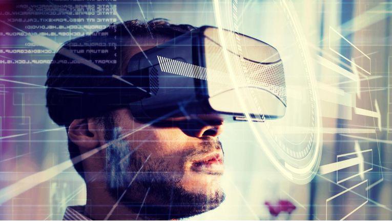 Facebook setzt in dem sich nicht so dynamisch entwickelnden Markt der VR-Brillen nun auf eine günstigere Version seiner Oculus Rift.