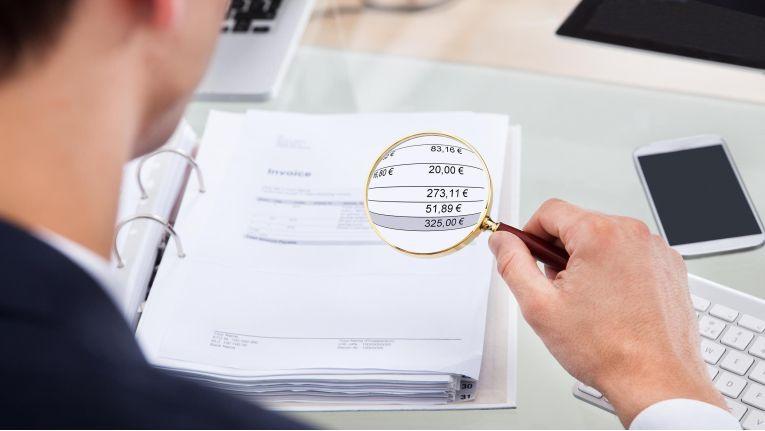 """Die Überwachung von Geldgeschäften wird mit dem """"Gesetz zur Bekämpfung der Steuerumgehung und zur Änderung weiterer steuerlicher Vorschriften"""" ausgeweitet."""