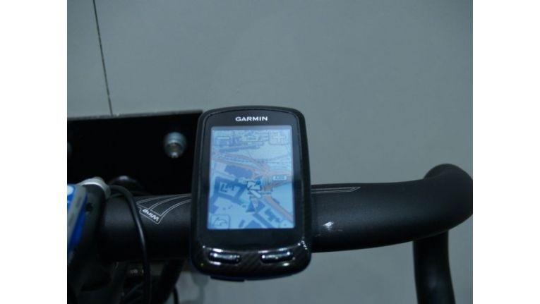 Ein Navi für den Radfahrer. Das Telefonierern mit einem Smartphone ist aber auch Radfahrern untersagt.