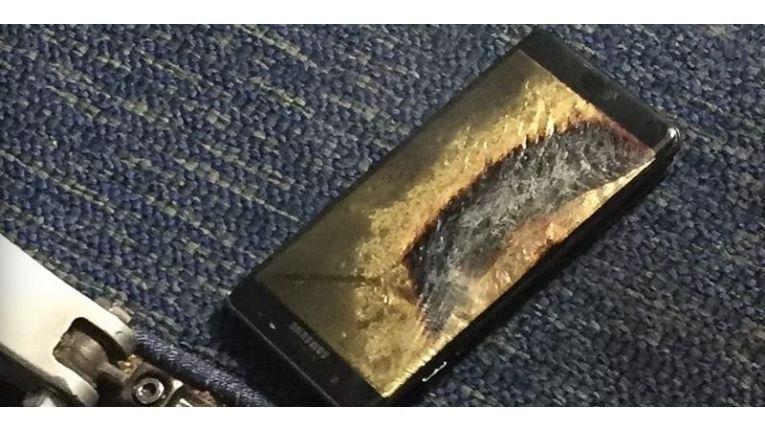 Im letzten Jahr stellte Samsung die Produktion des Note 7 ein, nachdem Batterie-Probleme vermehrt Brände verursacht hatten.