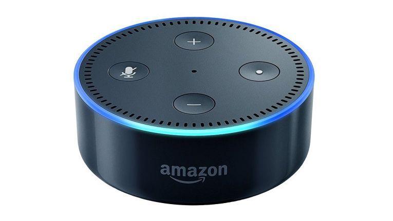 Beim kleineren Echo Dot fehlt der Lautsprecher, dafür kostet der kleine Bruder des hier getesteten Amazon Echo auch nur rund ein Drittel.