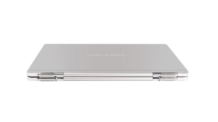 Zusammengeklappt ist das Porsche Design Book One etwa 15 Millimeter dünn
