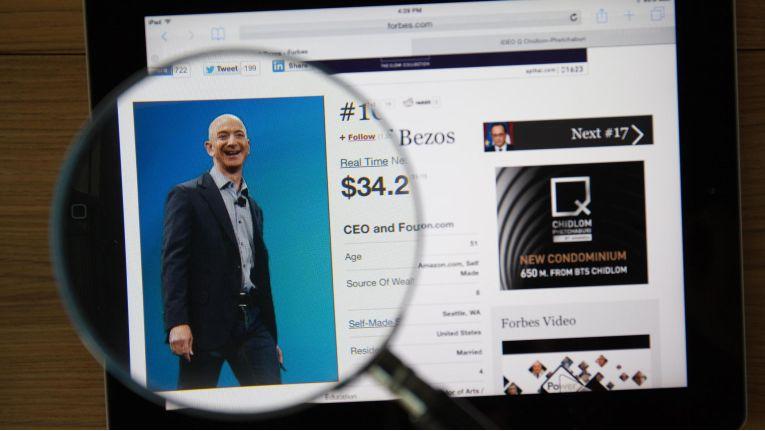 Jeff Bezos hat Bill Gates in der Superreichen-Rangliste abgelöst.