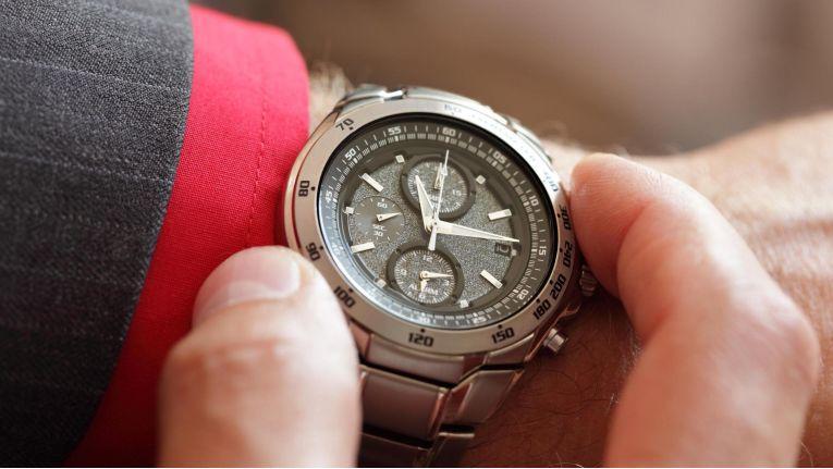 Stilvoller kann man die Zeit nicht ablesen: Die Armbanduhr wird mehr und mehr ein Premium-Produkt.