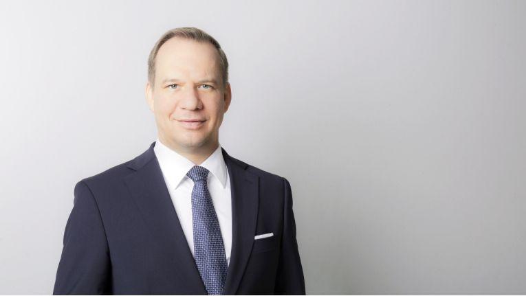 """""""Wer leistungsfähige IT-Spezialisten gewinnen und halten möchte, muss deren Erwartungshaltung bedienen – und das langfristig"""", sagt Christian Umbs, Managing Director bei Robert Half."""