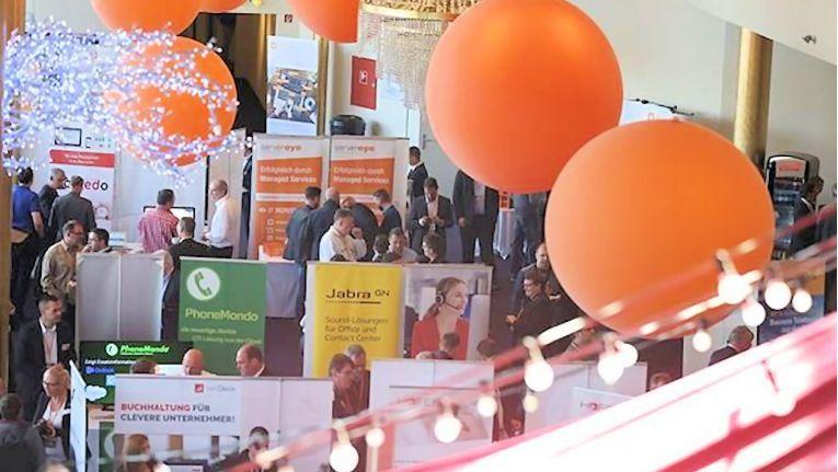 Die Teilnehmer konnten sich bei über 30 führenden UCC-Herstellern über die wichtigsten Trends und Entwicklungen informieren.