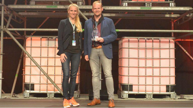 """eSpirit bekam von AWS 2017 den so genannten """"Market Transformation Award"""" überreicht."""
