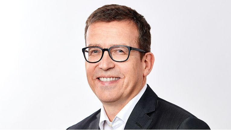 """""""Die Umstellung auf All-IP kurbelt die Nachfrage weiter an. """"Dr. Ralf Ebbinghaus, Vorstandsvorsitzender der Swyx Solutions AG"""