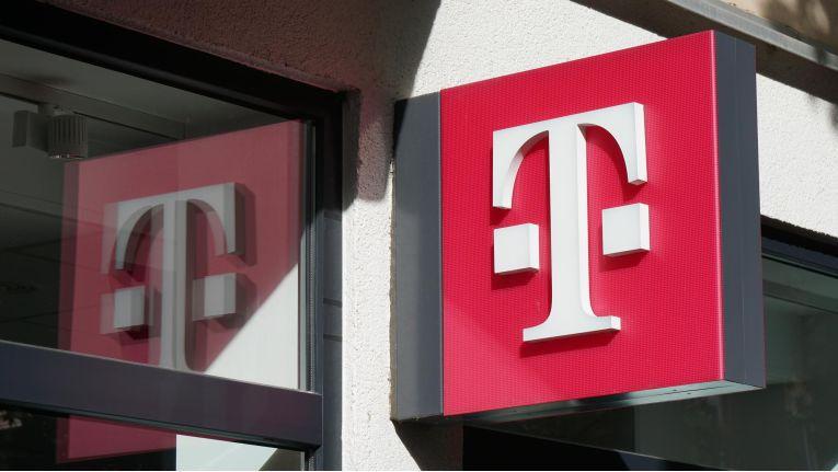 Der starke Euro bremst die Telekom aus.