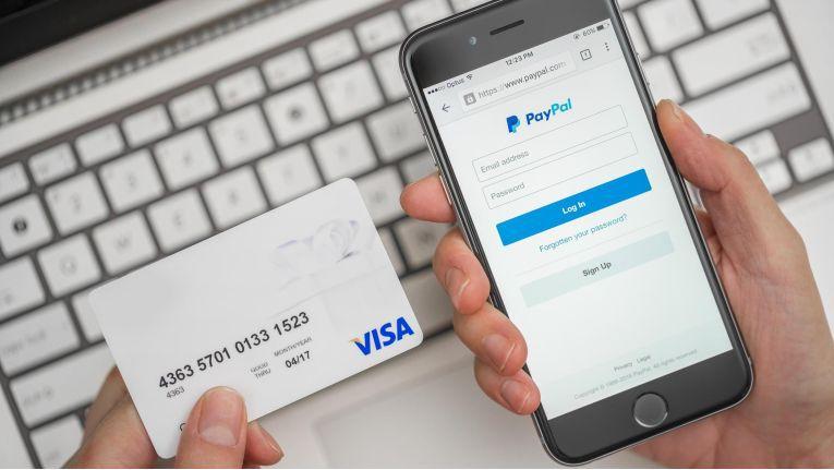 Beim Internet-Einkauf über Paypal lässt der Bundesgerichtshof (BGH) dem Online-Bezahldienst nicht das letzte Wort.