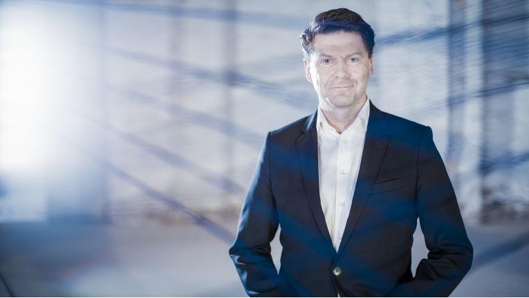 ''Der internationale Wettbewerb wird intensiver, deshalb sind nach unseren Erfahrungen all diejenigen Unternehmen im Vorteil, die in neue Technologien und Mobilität investieren'', Martin Böker, Director B2B bei der Samsung Electronics GmbH.
