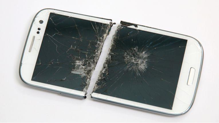 Vom wütenden Gemahl zerteilt: Samsung Galaxy S3.