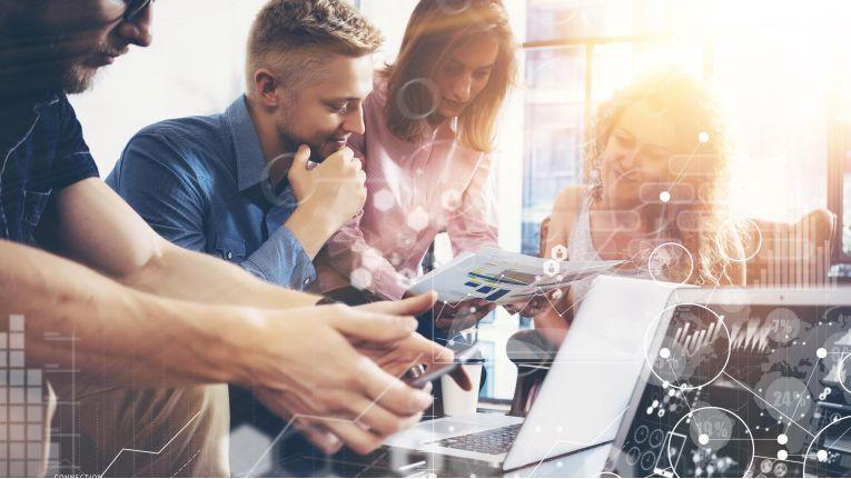 """Um Innovation zu möglichst geringen Kosten zu fördern, ist es sinnvoll, ein """"Innovations-Hub"""" im Unternehmen zu schaffen."""