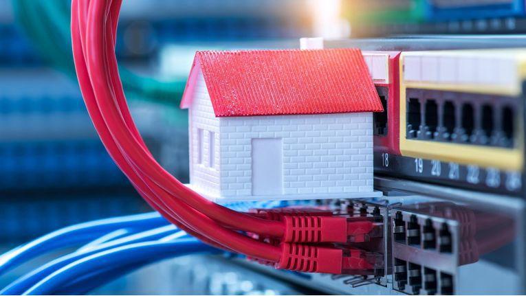 Deutsche Landkreise setzen sich für das tatsächliche Verlegen von Glasfaserkabeln bis ins Gebäude ein.