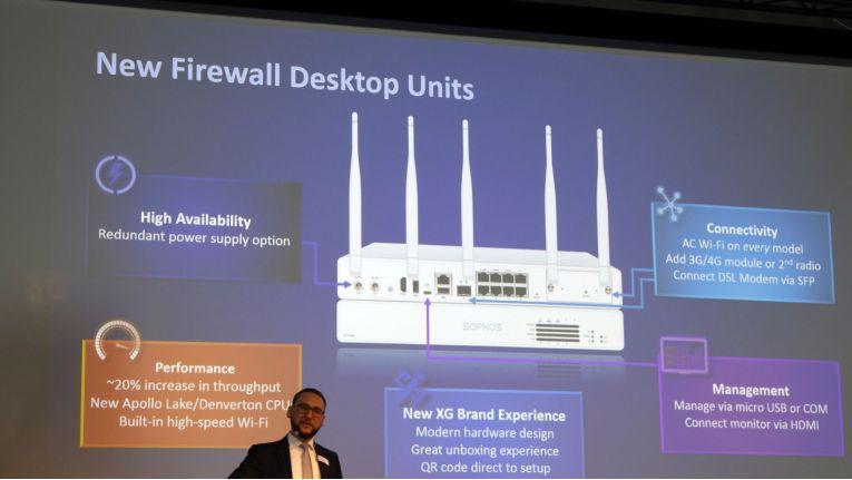 Die angekündigte Neuauflage der Desktop-Firewall von Sophos wird den Standard 802.11ac unterstützen. Zur Anbindung verfügt sie neuerdings über LTE und ein VDSL-Modem, so dass kein Router vom Provider mehr vorgeschaltet werden muss.