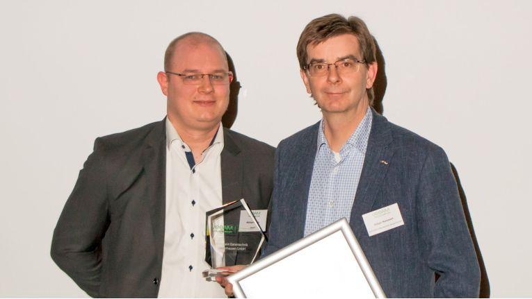 Wichmann Datentechnik hat 2017 seine Veeam-Umsätze um den Faktor 6 und damit stärker steigern können, als andere Partner. Geschäftsführer Holger Nammert durfte daher den Award The Fastest Growth Partner of the Year zu Recht nach Sangerhaus mitnehmen.