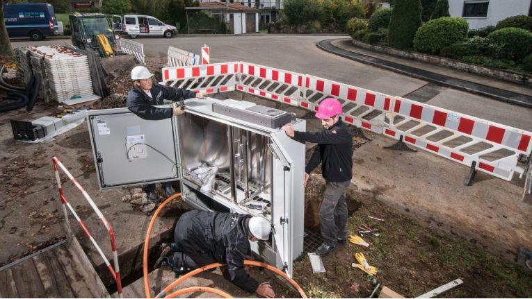 Das Pilotprojekt für den FTTH-Ausbau Glasfaserausbau der Telekom im fränkischen Bad Staffelstein ist erfolgreich angelaufen: In der Vormerkphase haben sich die erforderlichen 30 Prozent der Haushalte eintragen lassen.