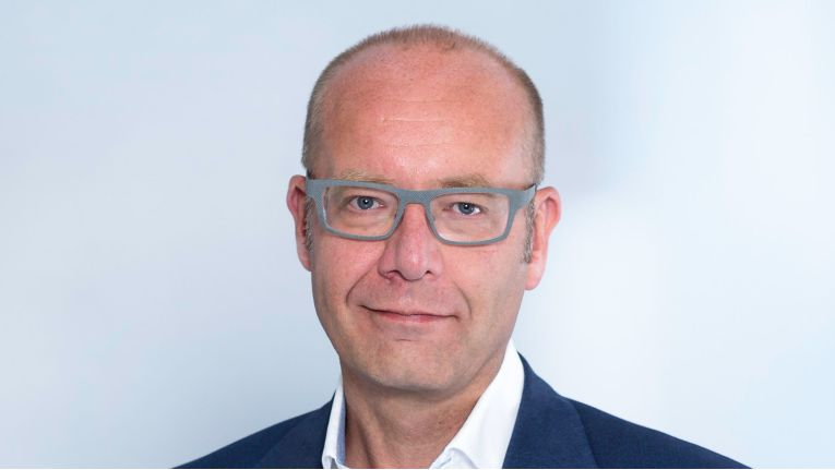 """""""Wir sind der einzige europäische Hersteller, der sich im extrem hart umkämpften WLAN- und Switching-Markt gegen global agierende Großkonzerne behaupten kann."""" Jan Buis, Vice President WLAN & Switching bei Lancom"""
