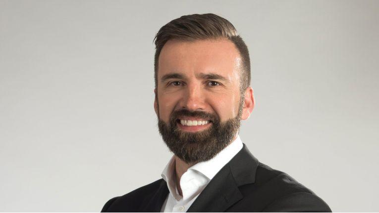 """""""Wir wollen gar kein Storage-Anbieter mehr sein, sondern sehen uns inzwischen als Daten-Management-Anbieter"""", so Maik Höhne, Director Channel Sales Germany bei NetApp im Gespräch mit ChannelPartner."""