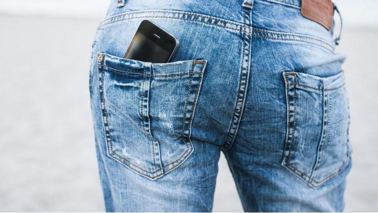 Mit einem professionellen Business-Messaging-Dienst wird das Smartphone in der Hosentasche zu einem sicheren Begleiter im Geschäftsalltag.