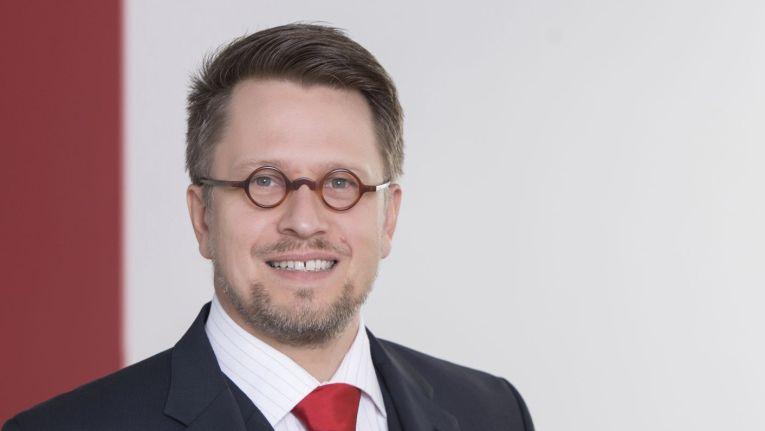 """""""Die Gefährdungslage durch Cyber-Angriffe hat sich in den vergangenen Jahrzehnten immens verschärft."""" Severin Rast, Leiter Security Consulting bei Infodas"""