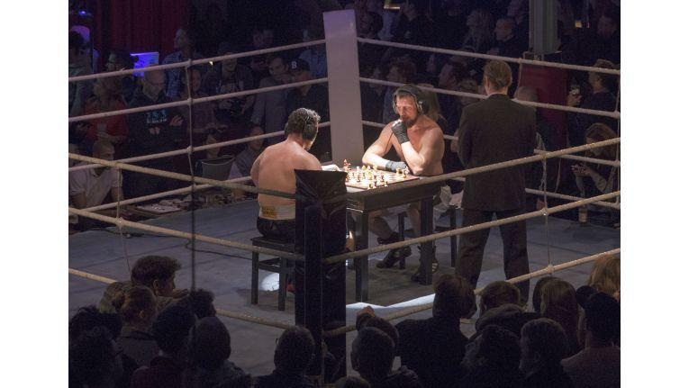 Im März hatte Mimecast zum Schachboxen nach Berlin eingeladen. In der Kombination aus Schach und Boxen sieht der Anbieter einen direkten Bezug zum Anspruch an IT-Sicherheit: Neben sportlichen Höchstleistungen zwischen Abwehr und Angriff müssten Unternehmen auch mental fit sein