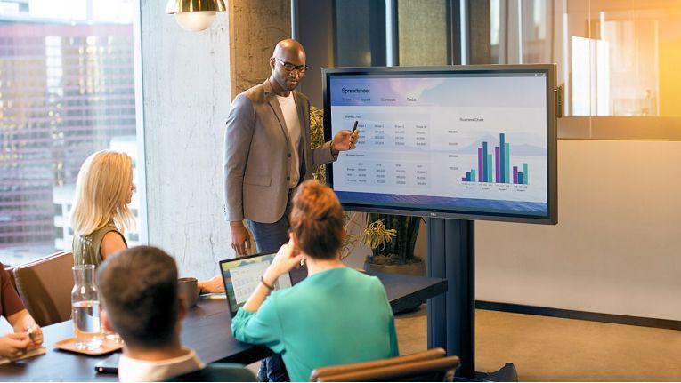 Kombiniert mit Konferenzsystemen ergeben sich professionelle Collaboration-Lösungen, in die auch virtuelle Teilnehmer eingebunden werden können.