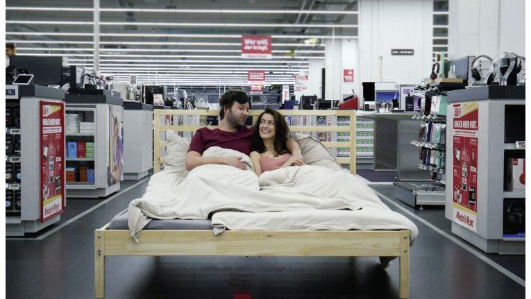 Media Markt verlost unter Mitgliedern seines Kundenclubs eine Übernachtung im Elektromarkt