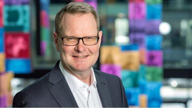"""Wolfgang Reichenbachm Vorstand der Step Ahead AG: """"Wir tätigen große Investitionen in die Kompetenzentwicklung unserer Mitarbeiter."""""""