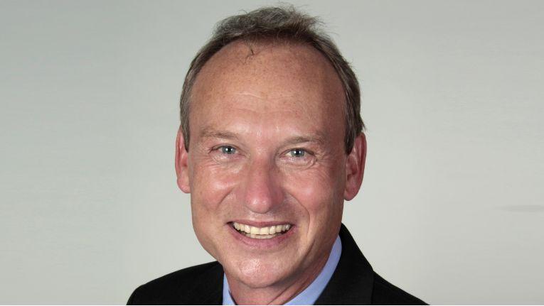 """""""Es ist günstiger, in die Gesundheit der Mitarbeiter zu investieren, als ein paar Euro bei der Geräteanschaffung zu sparen"""", Bert-Ingo Polczynski, Senior Product Manager Displays bei Fujitsu"""