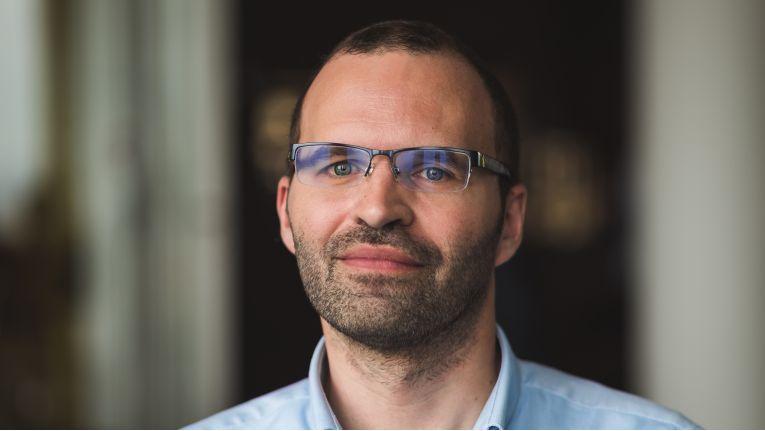 """""""Wir sehen immer öfter, dass IoT-Geräte und Smartphones für Botnetze zweckentfremdet werden, um Kryto-Währungen zu schürfen."""" Martin Hron, Security Researcher bei Avast"""