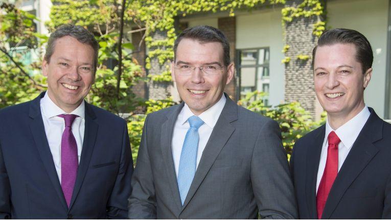 Ihre Risiko-Analyse-Systeme sind ab sofort bei Tech Data erhältlich (von links): Thomas Hoffmann, Geschäftsführer Sales & Marketing, Harald Reisinger, Geschäftsführer Service Management & Innovation, sowie Dr. Christian Polster, CSO und CFO von RadarServices.