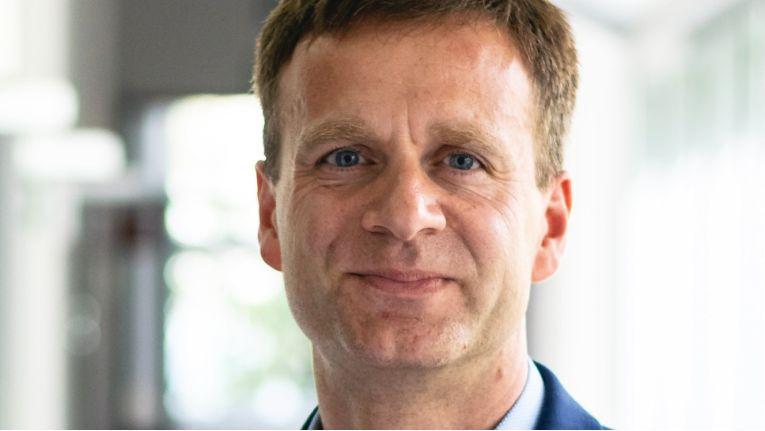 VP Jens Roseneck verantwortet ab August 2018 zusätzlich den Geschäftsbereich Energy DACH von Joachim Dams.