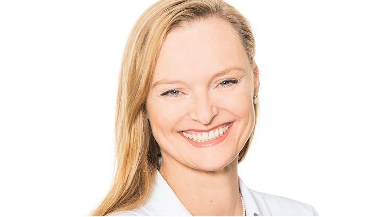 Christine Peters, Senior Manager Displays & Digital Signage bei Ingram Micro, leitet auch den Bereich um die Smart Boards für Bildung und Unternehmen.
