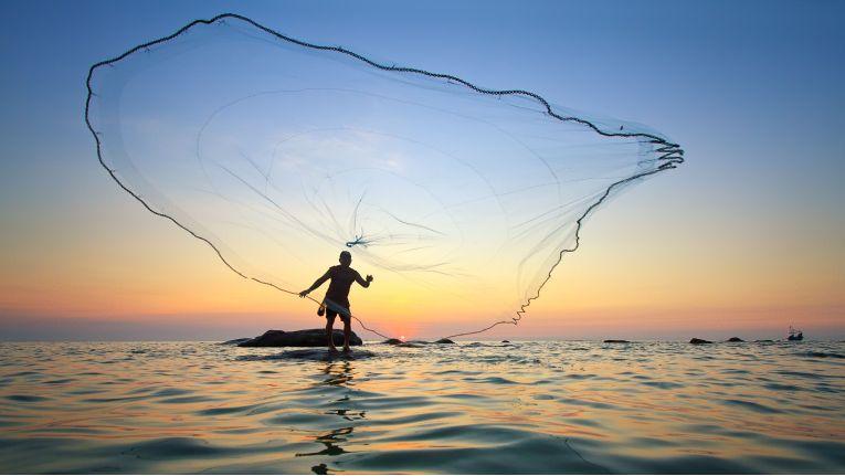 Damit Unternehmen nicht im Trüben fischen müssen, sollten sie ihre unstrukturierten Daten genau analysieren.