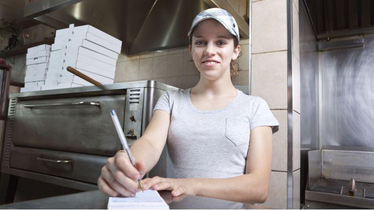 Die Annahme der Bestellungen in einem Fast Food-Restaurant wird künftig ein Automat übernehmen.