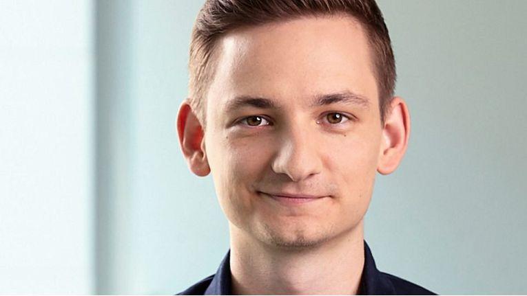 Der neue Communications Manager Digital Storytelling & Data Analyst, Timo Radzik, soll Microsofts PR-Geschichten um eine ausgebaute Analysestruktur erweitern.