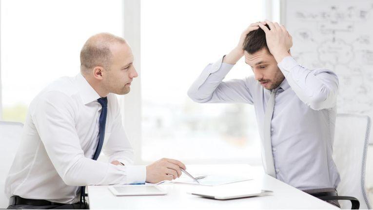 Dass ein Kunde in einem Verkaufgsgespräch überfordert ist, kann verschiedene Ursachen haben.