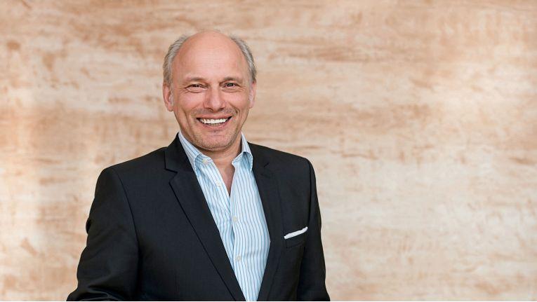 Arved Graf von Stackelberg ist seit Mai 2018 Chief Sales Officer und Geschäftsführer bei Dracoon.