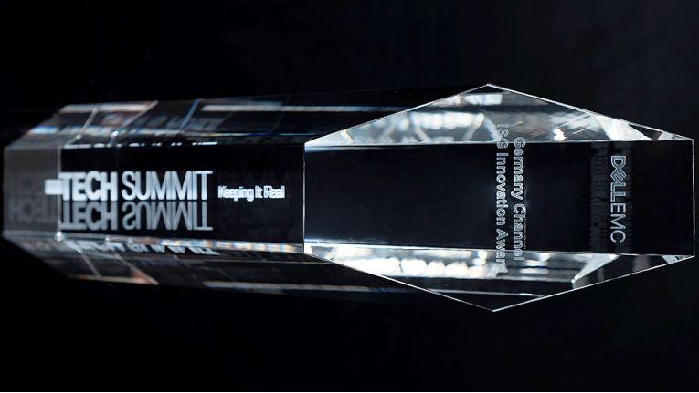 Der Besuch des diesjährigen Dell EMC Tech Summits in Madrid hat sich für die DextraData - mit einem Award und reichlich Informationen - gleich mehrfach gelohnt.