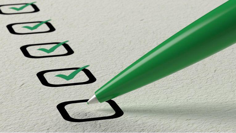 Die Bundesanstalt für Arbeitsschutz und Arbeitsmedizin (BAuA) bietet eine kostenlose Checkliste an, mit der das Arbeitszeitmodell in einem Unternehmen überprüft werden kann.