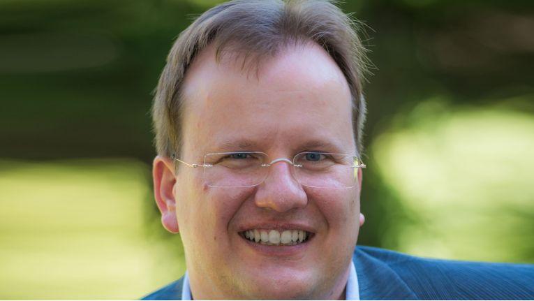 """""""Die aus der Beteiligung von Microsoft am Open Invention Network entstehende Rechtsklarheit ist für alle Anbieter und Anwender von Open Source-Lösungen von Vortei"""", erklärt Holger Dyroff, Vorstand der Open Source Business Alliance e.V. (OSBA)"""